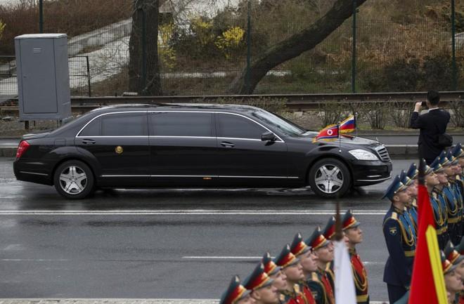 Chiếc xe bọc thép chống đạn Mercedes-Benz S600 mà ông Kim đã dùng trong chuyến đến Nga vào hồi tháng 4/2019
