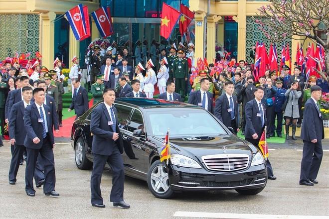 Chiếc Mercedes-Benz S600 chở ông Kim tại Hà Nội