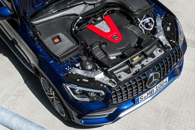 Mercedes-AMG GLC43 và GLC43 Coupe 2020 dùng chung động cơ xăng V6, tăng áp kép, dung tích 3.0 lít mạnh mẽ hơn