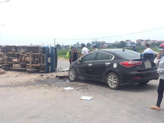 Hiện trường vụ tai nạn giữa Kia K3 với xe tải Thaco Frontier
