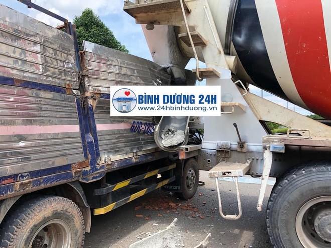 Xe tải chở gạch gặp tai nạn với xe bồn quay đầu tại Bình Dương (Ảnh: Facebook)