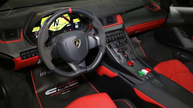 Chiếc Lamborghini Veneno Roadster này thuộc đời 2014