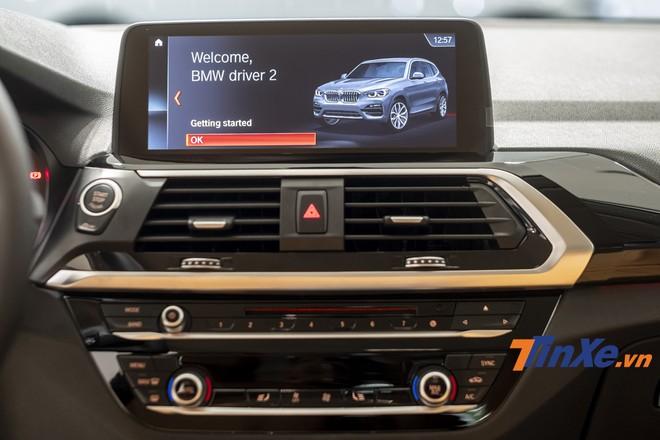 Trên những mẫu xe BMW thế hệ mới, người lái xe có thể ra lệnh cho xe thông qua các chỉ lệnh đã được thiết lập sẵn.
