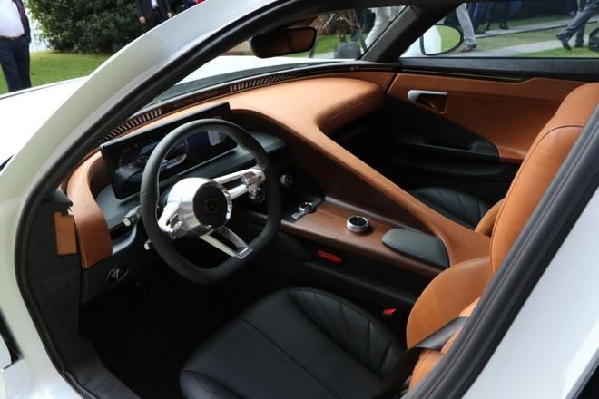 Nội thất của xe phải nói là rất đẹp mắt và thể hiện đẳng cấp