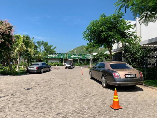 Bentley Mulsanne EWB và Rolls-Royce Ghost