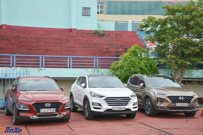 Những chiếc xe lái thử của Hyundai nhận được không ít quan tâm của khách tham dự