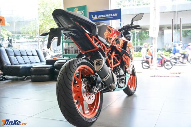 KTM RC 390 phiên bản MotoGP Edition 2019 có bộ áo theo phong cách những mẫu xe đua