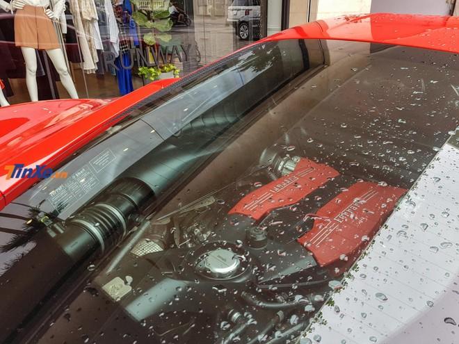 Siêu xe Ferrari 488 GTB của Tuấn Hưng sử dụng động cơ V8