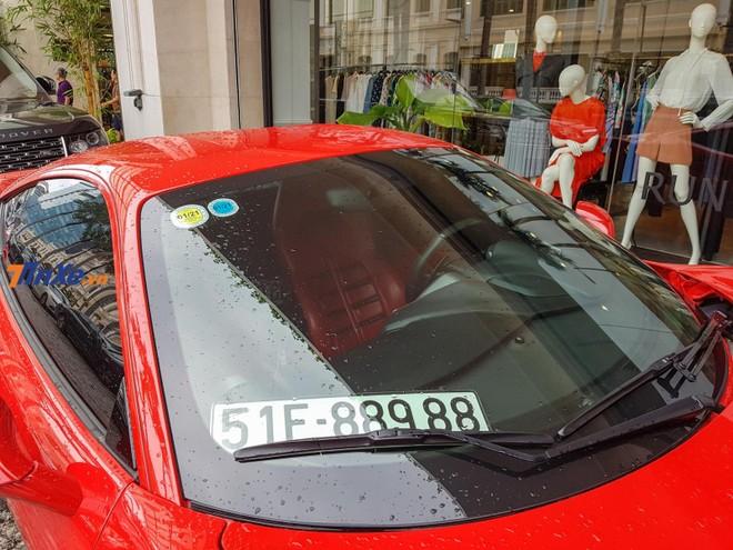 Chiếc xe này mang biển số của Sài thành