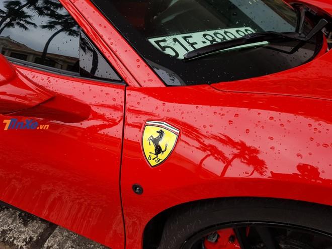 Xe có màu sơn đỏ Rosso Corsa