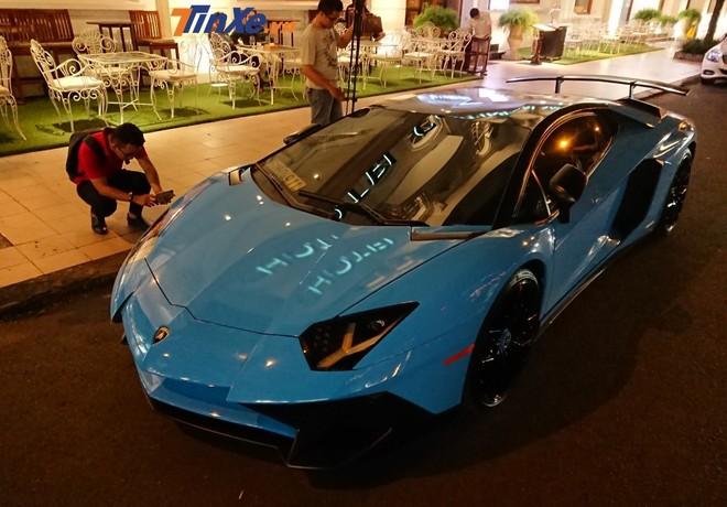 Hàng hiếm Lamborghini Aventador SV Coupe độc nhất Việt Nam thay áo sang màu xanh Blu Cepheus