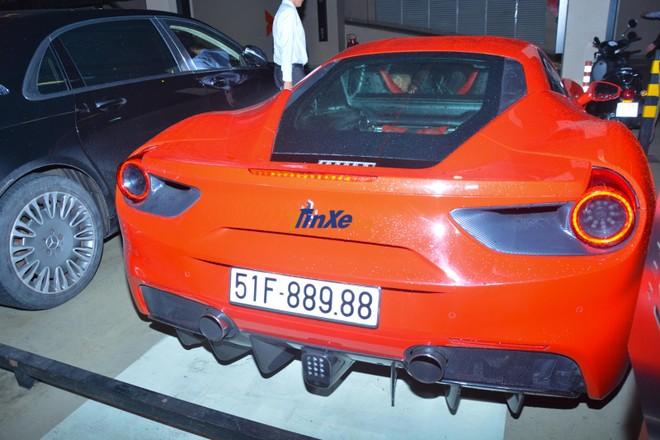 Ferrari 488 GTB của Tuấn Hưng mới tái xuất sau 9 tháng phải nằm viện để sửa chữa