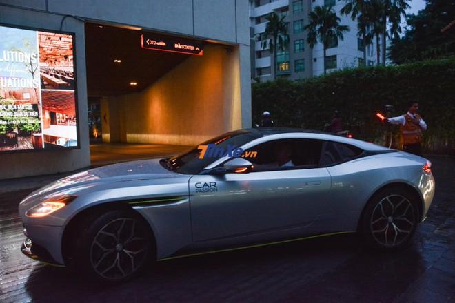 Aston Martin DB11 V8 đạt vận tốc tối đa 301 km/h