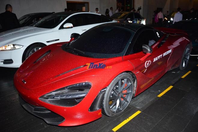 Chiếc siêu xe McLaren 720S này đã được chủ nhân thay ống xả độ của Capristo