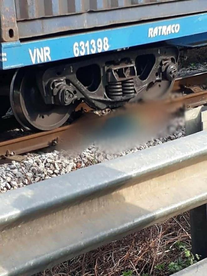 Hiện trường vụ tai nạn thương tâm trên đường sắt ở Thanh Hóa (Ảnh: Facebook)