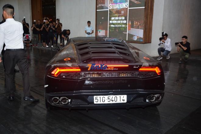 Siêu xe Lamborghini Huracan LP610-4 này có giá không dưới 22 tỷ đồng