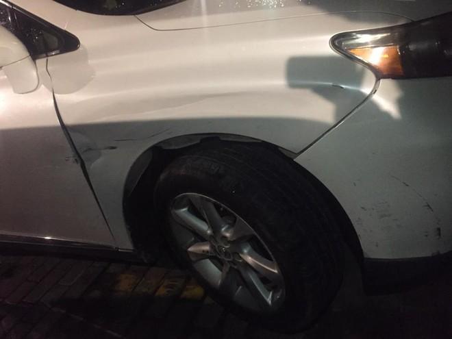 Lexus RX350 bị móp dàn áo bên hông