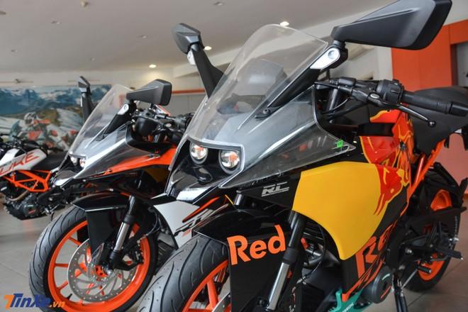 Chưa hết, KTM RC 390 phiên bản MotoGP Edition 2019 còn có logo RC MotoGP Edition bên hông dàn áo và vè chắn bùn có thêm chữ RED