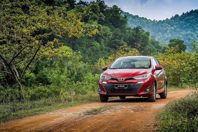 """Sang tháng """"cô hồn"""", Toyota Vios được đại lý giảm giá từ 20 – 25 triệu đồng"""
