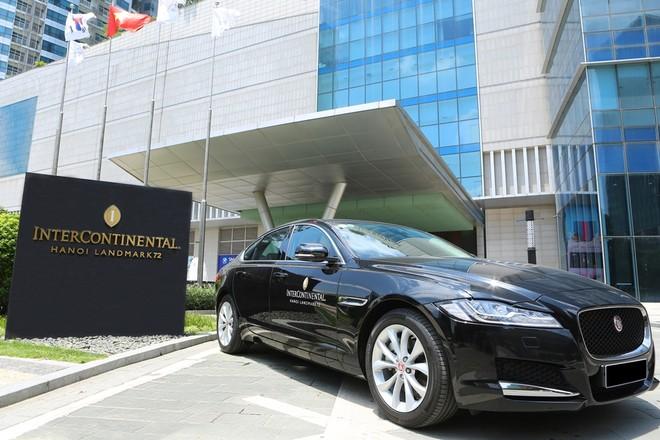 Ngoại thất của 3 chiếc Jaguar XF Prestige này có màu sơn đen cùng các chi tiết mạ crôm và mâm sơn màu bạc