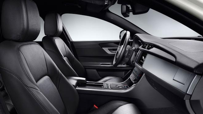 Nội thất Jaguar XF Prestige