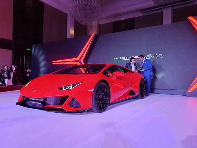 Huracan EVO 2020 là phiên bản nâng cấp giữa dòng đời của siêu xe bán chạy nhất nhà Lamborghini