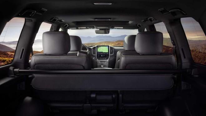 Nội thất bên trong Toyota Land Cruiser Heritage Edition 2020
