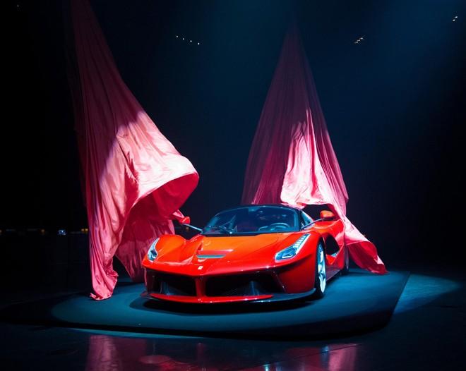 Siêu xe Ferrari LaFerrari là niềm mơ ước của biết bao tín đồ tốc độ