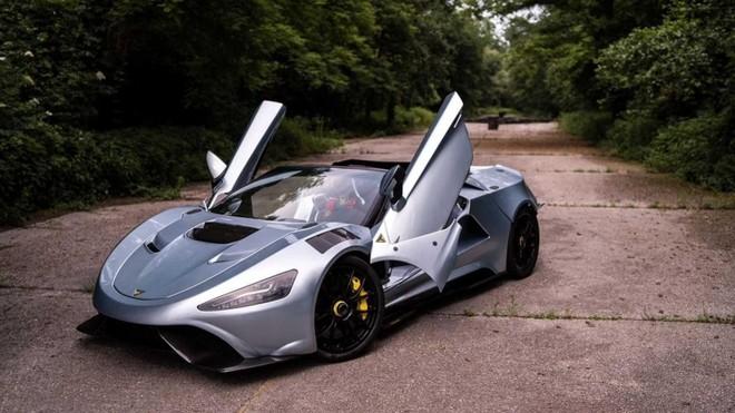 Nó có thiết kế ấn tượng với các chi tiết đúng chất siêu xe